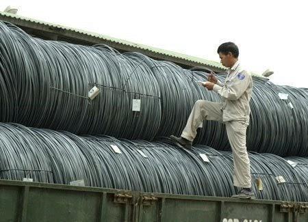 Xoay quanh câu chuyện thép giá rẻ Trung Quốc tràn vào Việt Nam