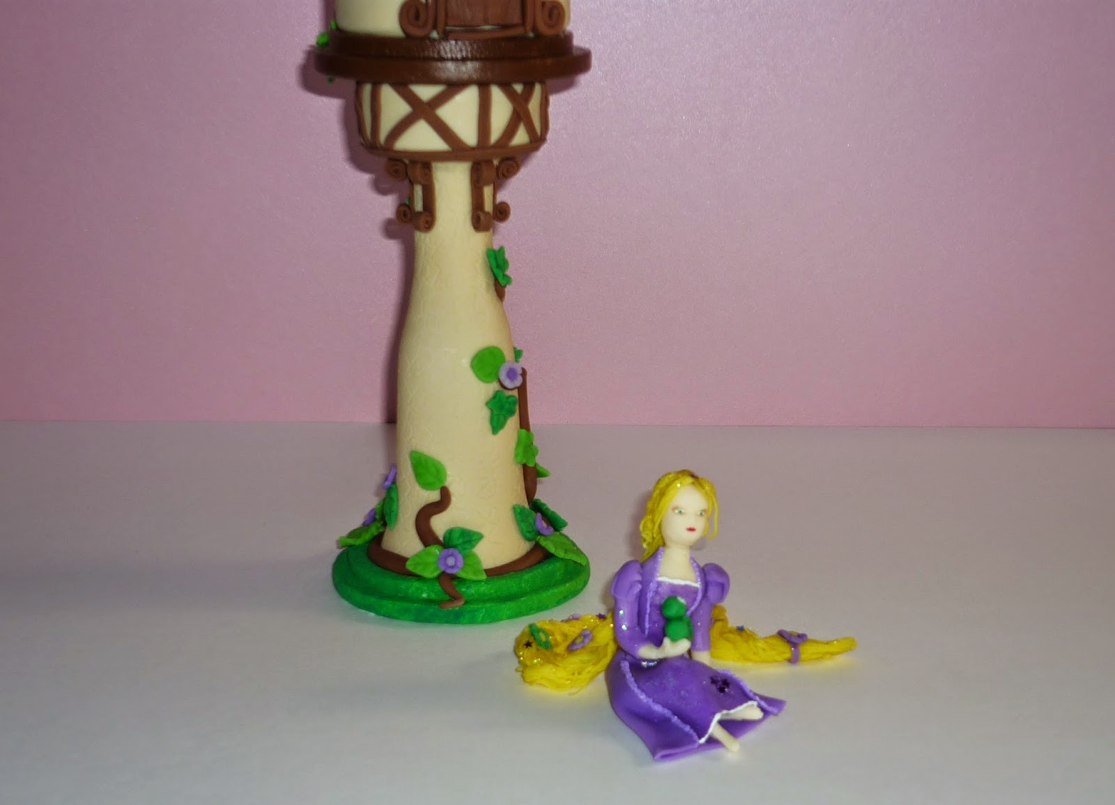 Minimandy. Rapunzel. Adorno para Torta.