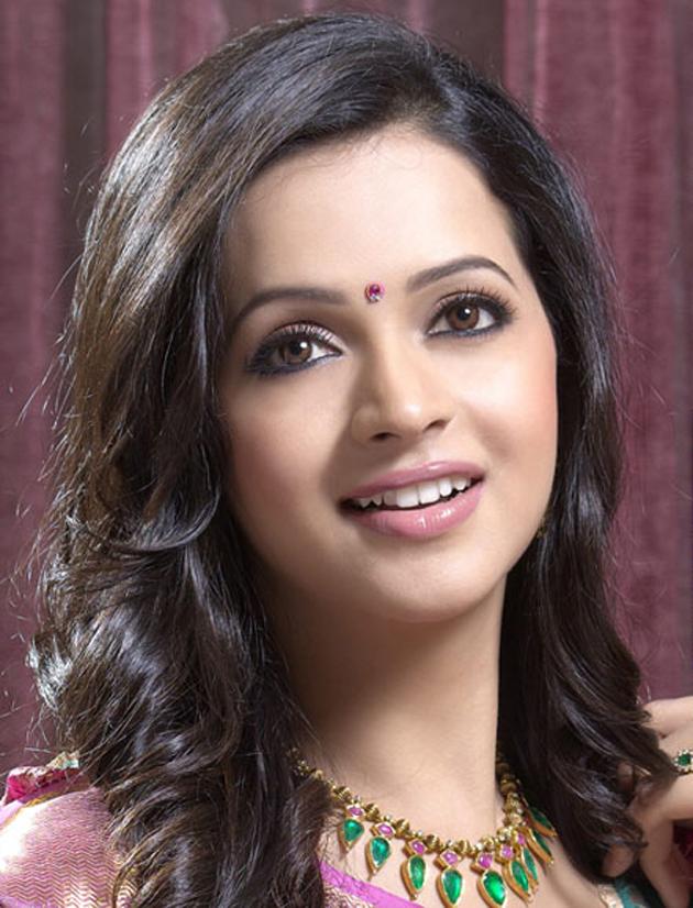 Tamil Actress Bhavana Sexy HD Photo