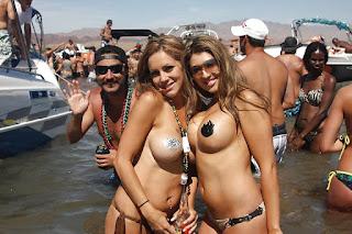 青少年的裸体女孩 - rs-UK2_126_1000-758019.jpg