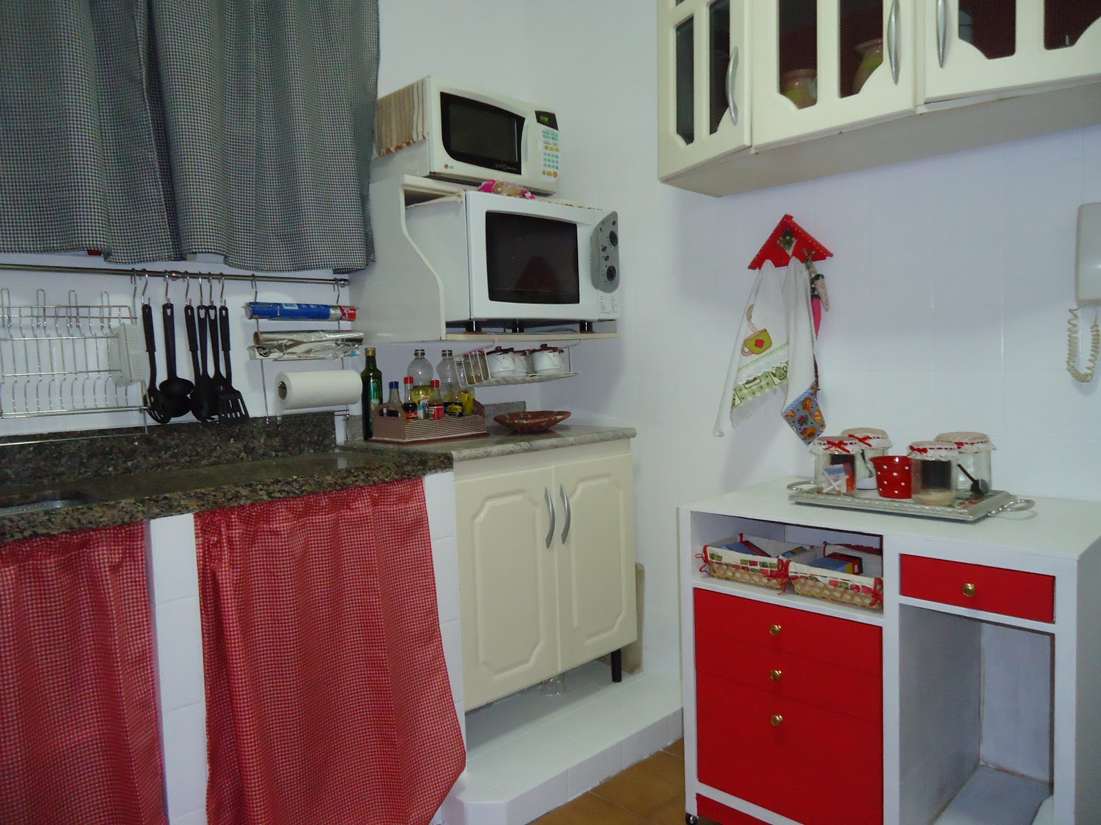 Arte em Tecido: Minha nova cozinha #7A2225 1600 1200