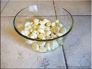 peeled garlic cloves
