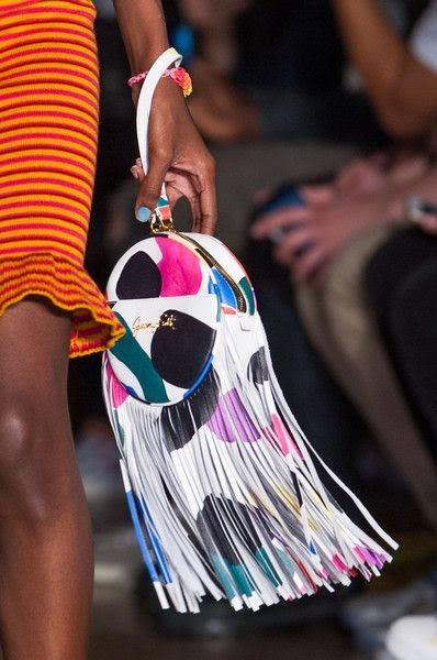 Moda  - Tendência 2015 Malas  de franjas
