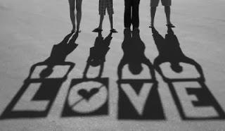 love ecris avec un jeu d'ombre