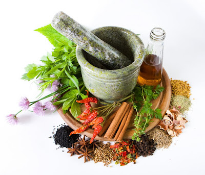 Mengkonsumsi Obat Herbal