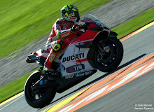 DUCATI DESMOSEDICI GP15 : THE ROCKET OF MOTOGP