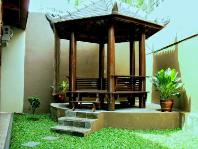 Saung Taman Minimalis Dasar Beton