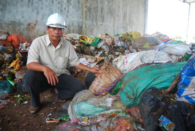 Gia Lai: Vợ chồng yêu... rác