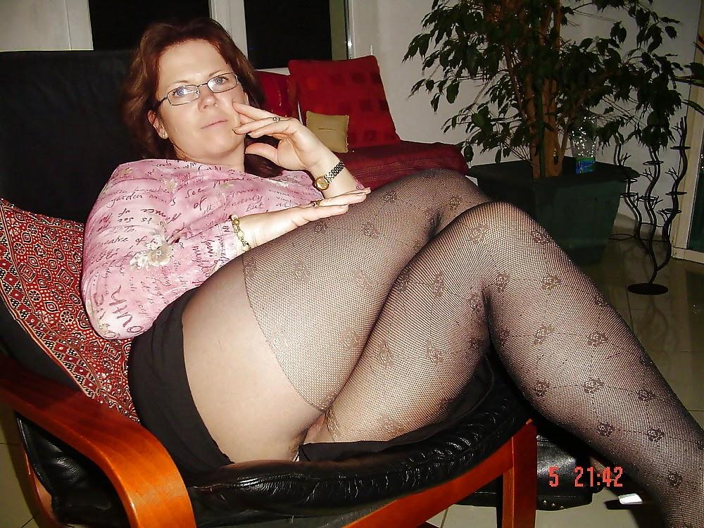 Толстушки в короткими юбки порно фото