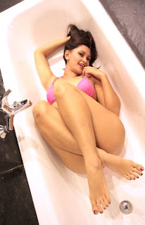 Sisca Melliana Swimsuit Models in Pink Photoshoot