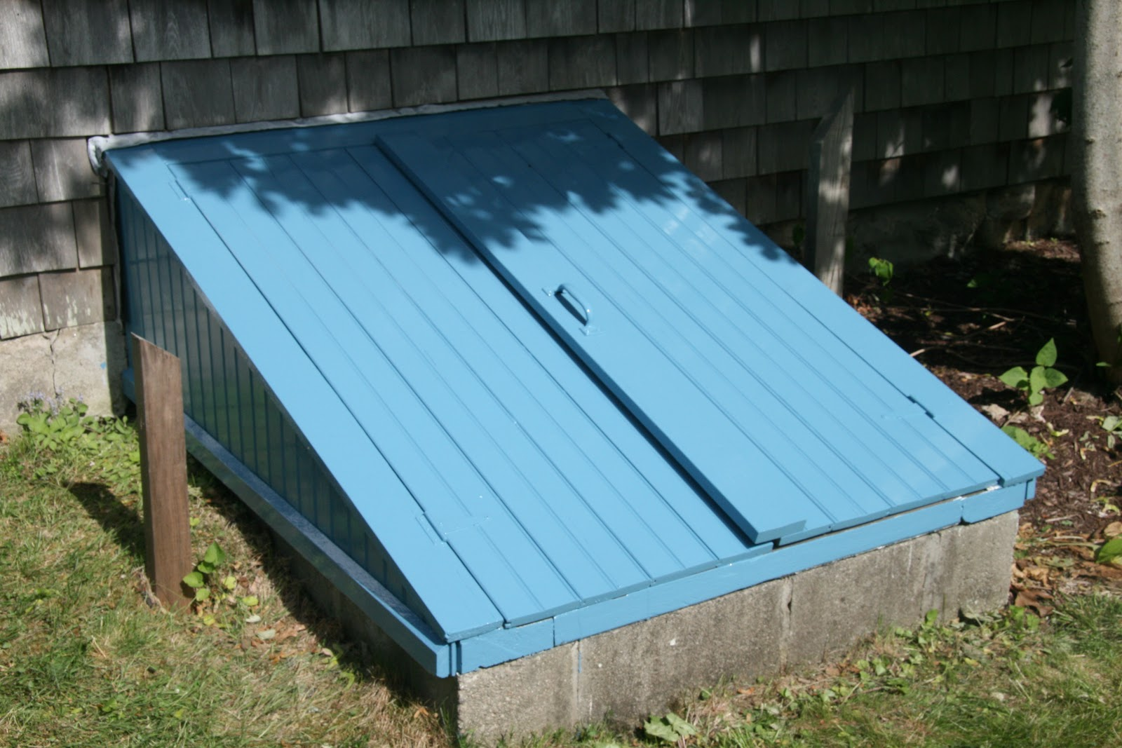 An old farm more zuider zee blue paint for Roxul vs fiberglass