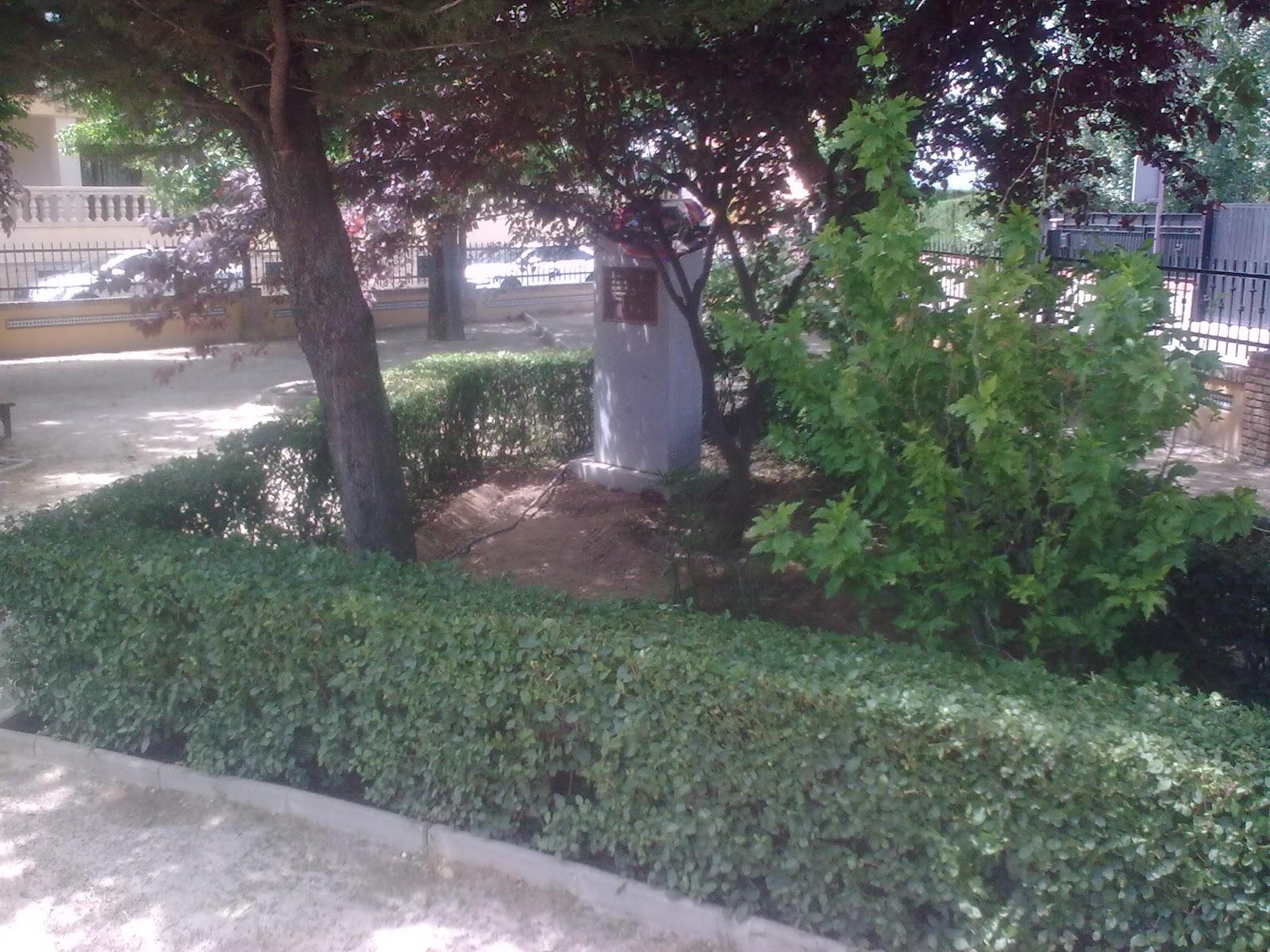 Parques y jardines de ogijares arreglo parque garcia lorca for Arreglos de parques y jardines