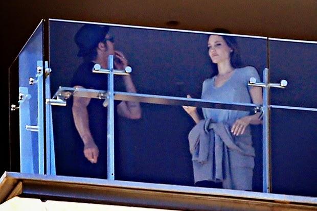 Angelina Jolie was sad face after talks with Brad Pitt
