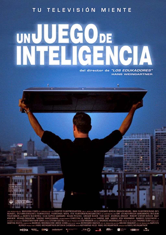 Un Juego de Inteligencia Portada Pelicula fotogramailustrado Hans Weingarten