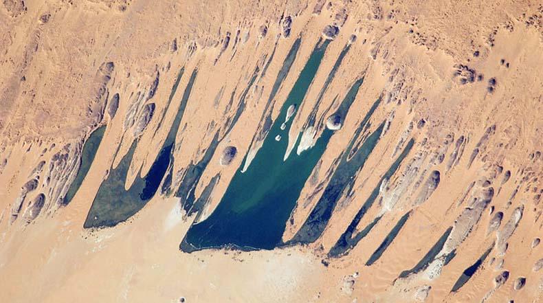 Los Lagos de Ounianga en el corazón del desierto del Sahara