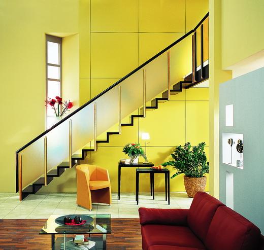 Salas con escalera ideas para decorar dise ar y mejorar - Escaleras interiores modernas ...