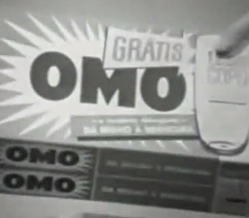 Propaganda do Sabão em Pó OMO nos anos 60: copo plástico de brinde na promoção.