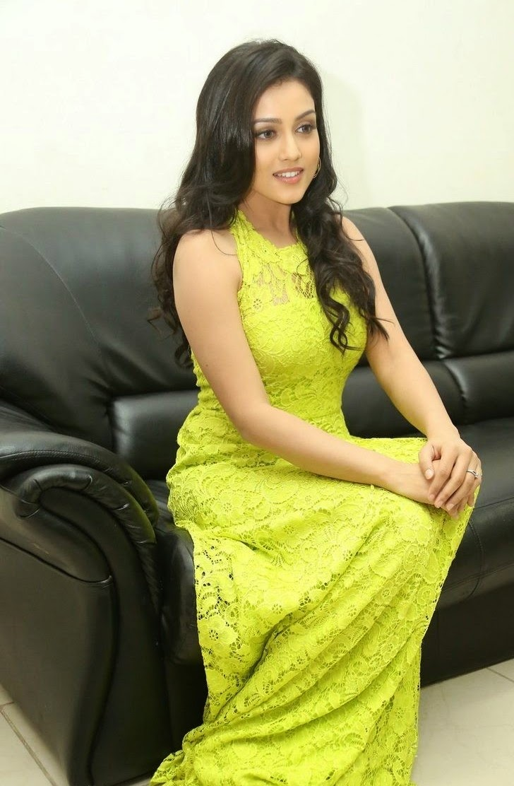 Mishti Chakraborty Beautiful Spicy Beauty in Neon Color attractive Dress at Chinnadana Nee Kosam Audio