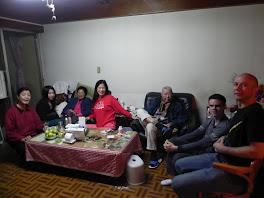 22/01/2012春節除夕homeboys and girl吃團圓飯,跟home爺爺奶奶領紅包.