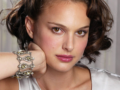 Natalie Portman Photoshoot smiling