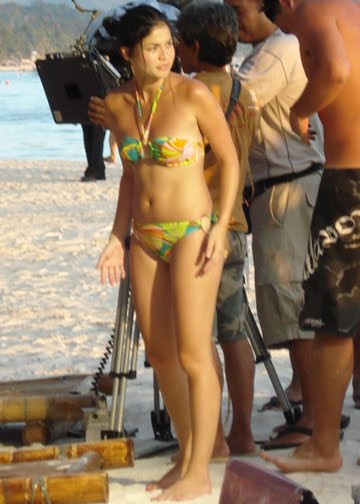 anne curtis candid bikini photo 03