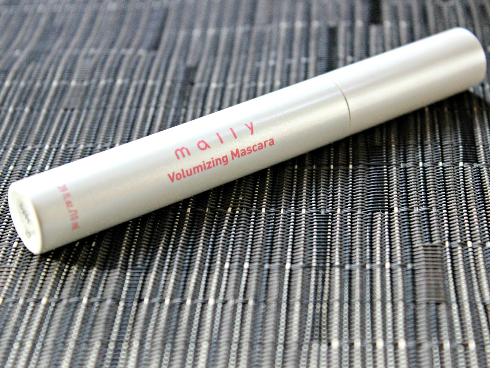 A picture of the Mally Volumizing Mascara