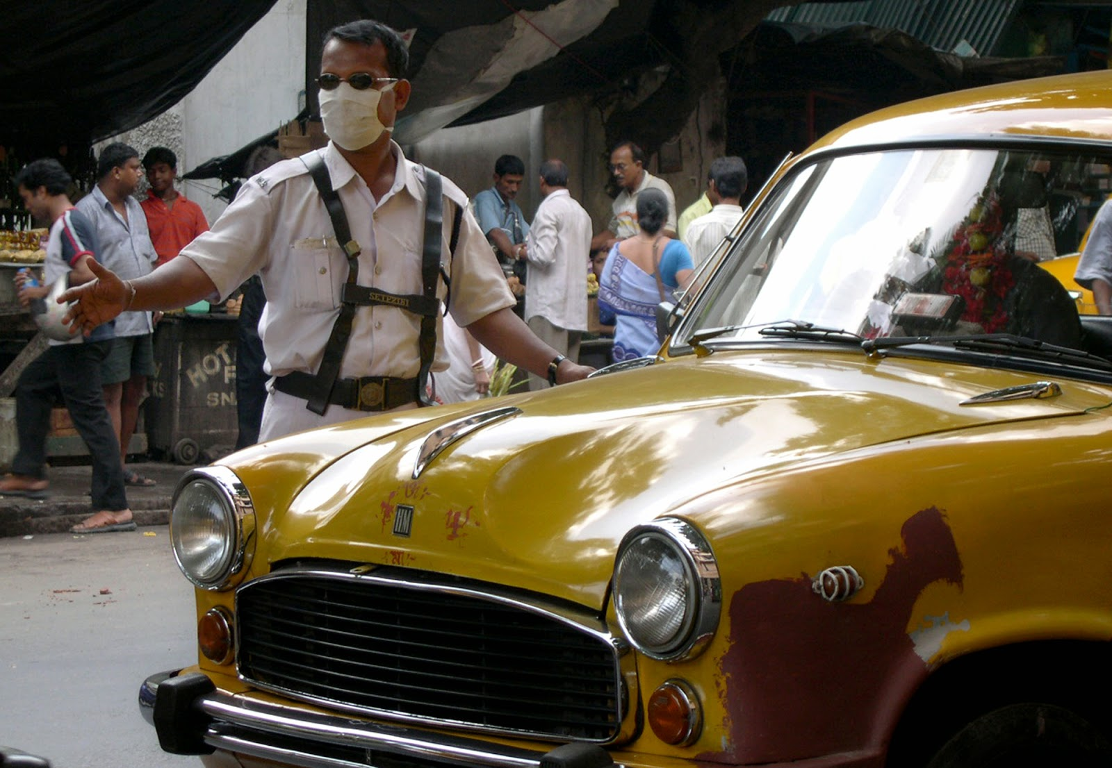 Traffic pollution reduces longevity of policemen in Kolkata and Delhi