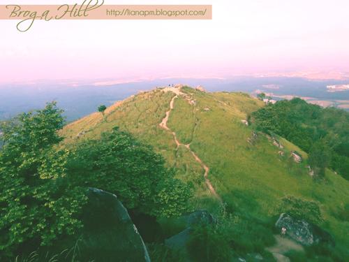 Bukit Broga, Broga Hill Malaysia, Bukit Broga di Semenyih, Laluan ke Bukit Broga, Pemandangan Bukit Broga, Poskad Tempat Menarik Di Malaysia, Poskad Bukit Broga