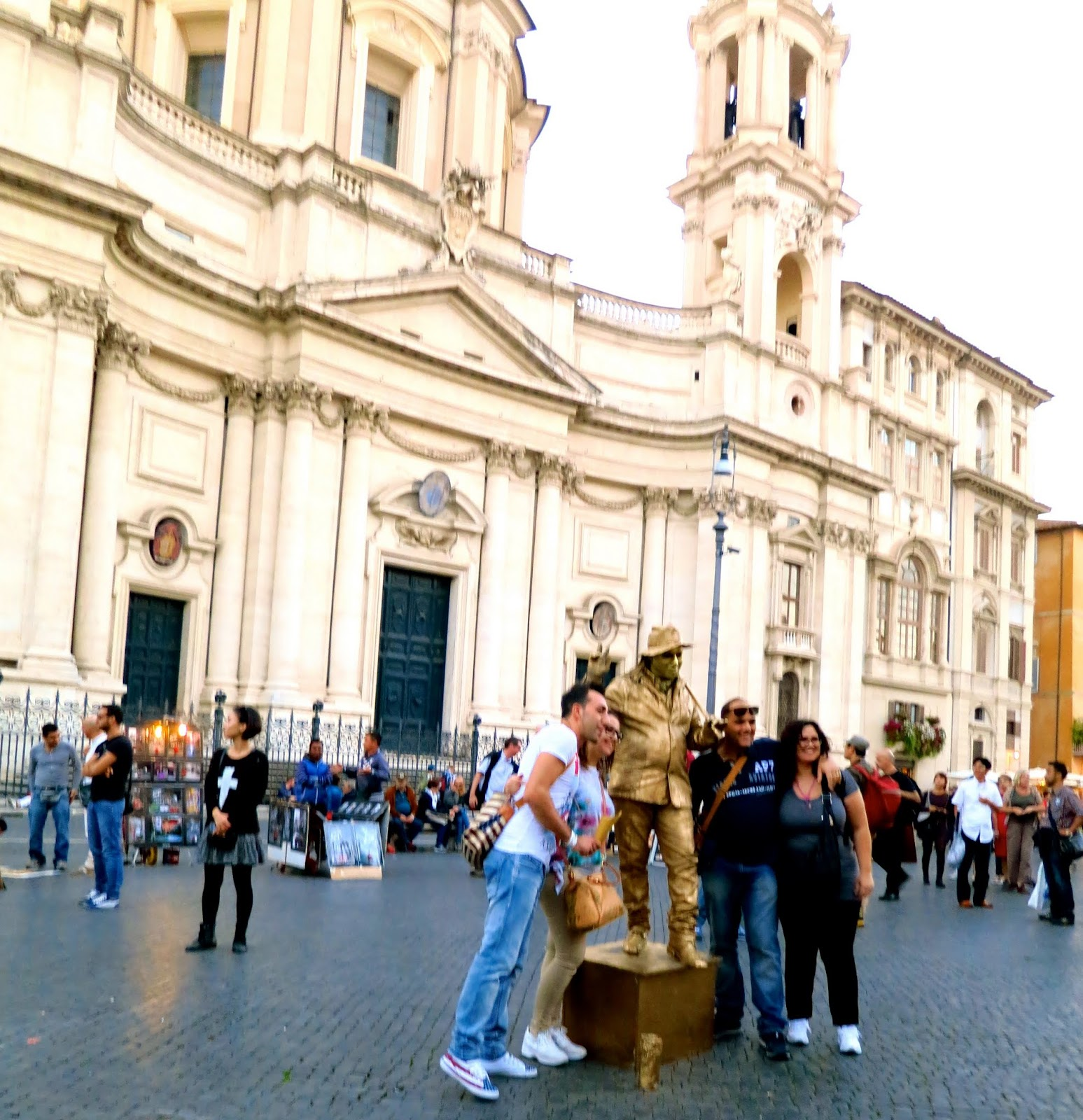Human Statue in Piazza Navona