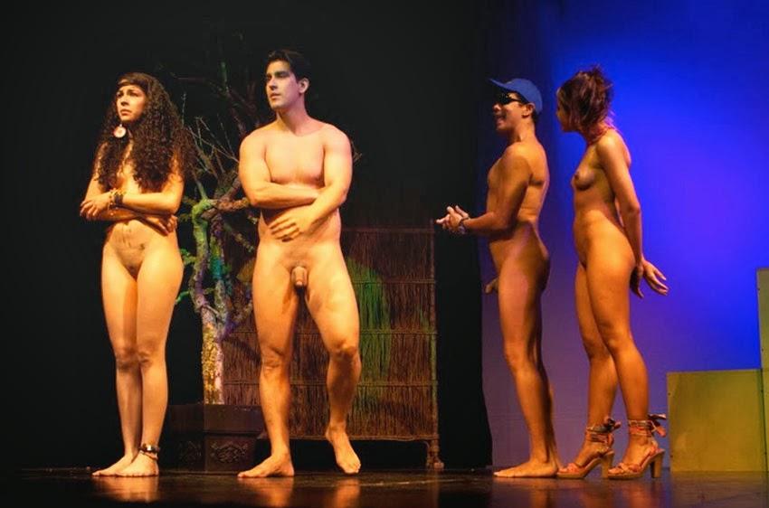 Фото голый театр