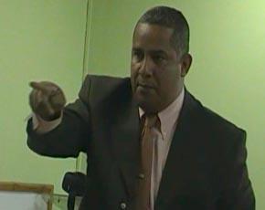 Trinidad acusa a Juancito de usar fondos del ASDE para promover a Danilo Medina