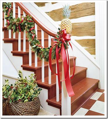 Escaleras decoradas por navidad colores en casa - Decoracion navidena escaleras ...