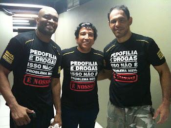 Sen. Magno Malta, Anderson Silva e Minotauro Nogueira vestiram a camisa contra a Pedofilia.