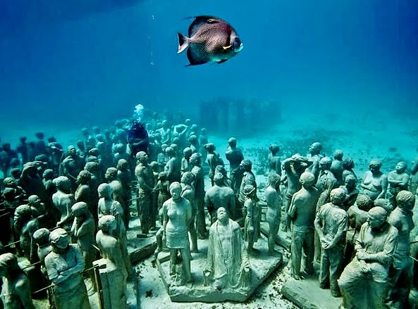 Scuba Diving The Underwater Museum in Cancun