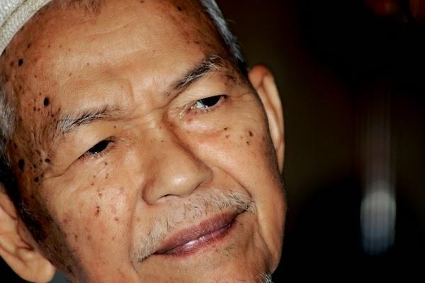 TG Nik Aziz Hidap Kanser Prostat Perlu Rawatan Rapi