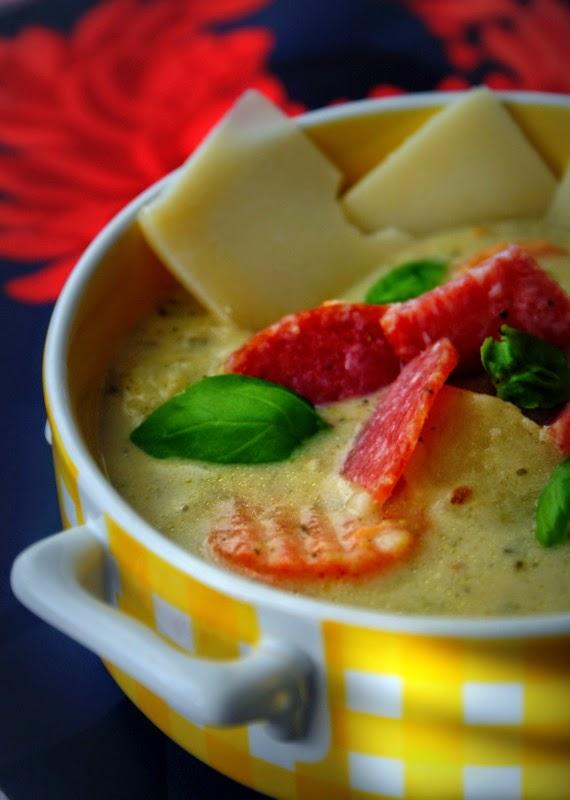 Z Kuchni Do Kuchni Wloska Zupa Z Salami I Parmezanem