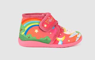 http://www.elcorteingles.es/moda/A16613685-zapatillas-de-casa-de-nina-de-cotton-juice-fucsia-con-velcro/