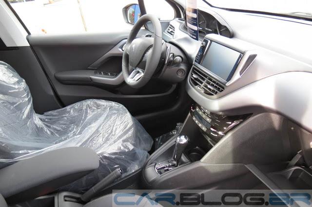 Peugeot 208 Griffe Automático 2015