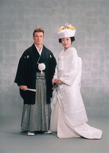 Nurulnormancomm211xspring2012 summary blog japanese culture Wedding dress japan