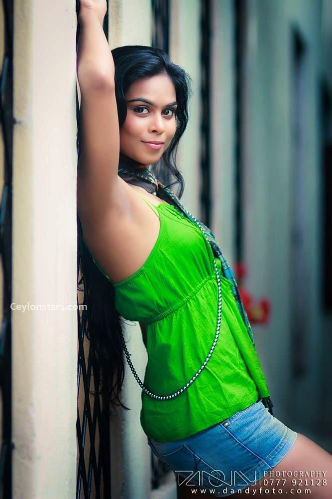 Ayanthi sexy