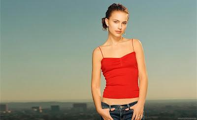 Hollywood Actress Natalie Portman Wallpaper-04