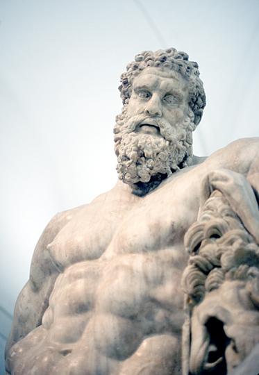 Resultado de imagem para hercules estatua
