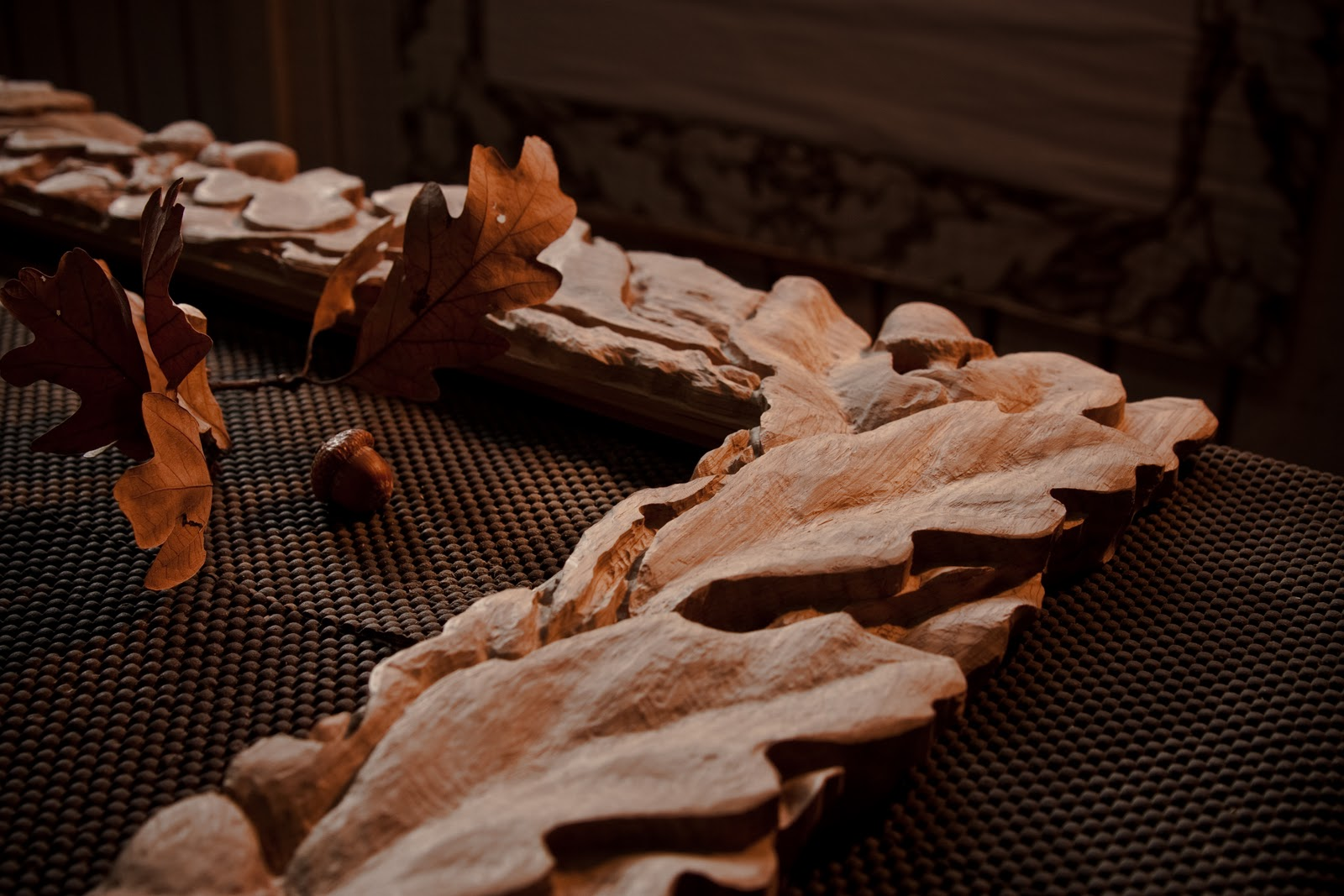 Golden studios oak leaf frame woodcarving work in progress