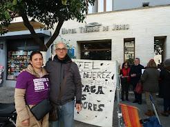 Manuela Vargas ya lleva 83 días reivindicando lo que le debe el Hotel Tierras de Jerez