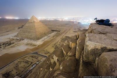 Fotógrafos russos escale a Grande Pirâmide de Gizé para tirar fotos