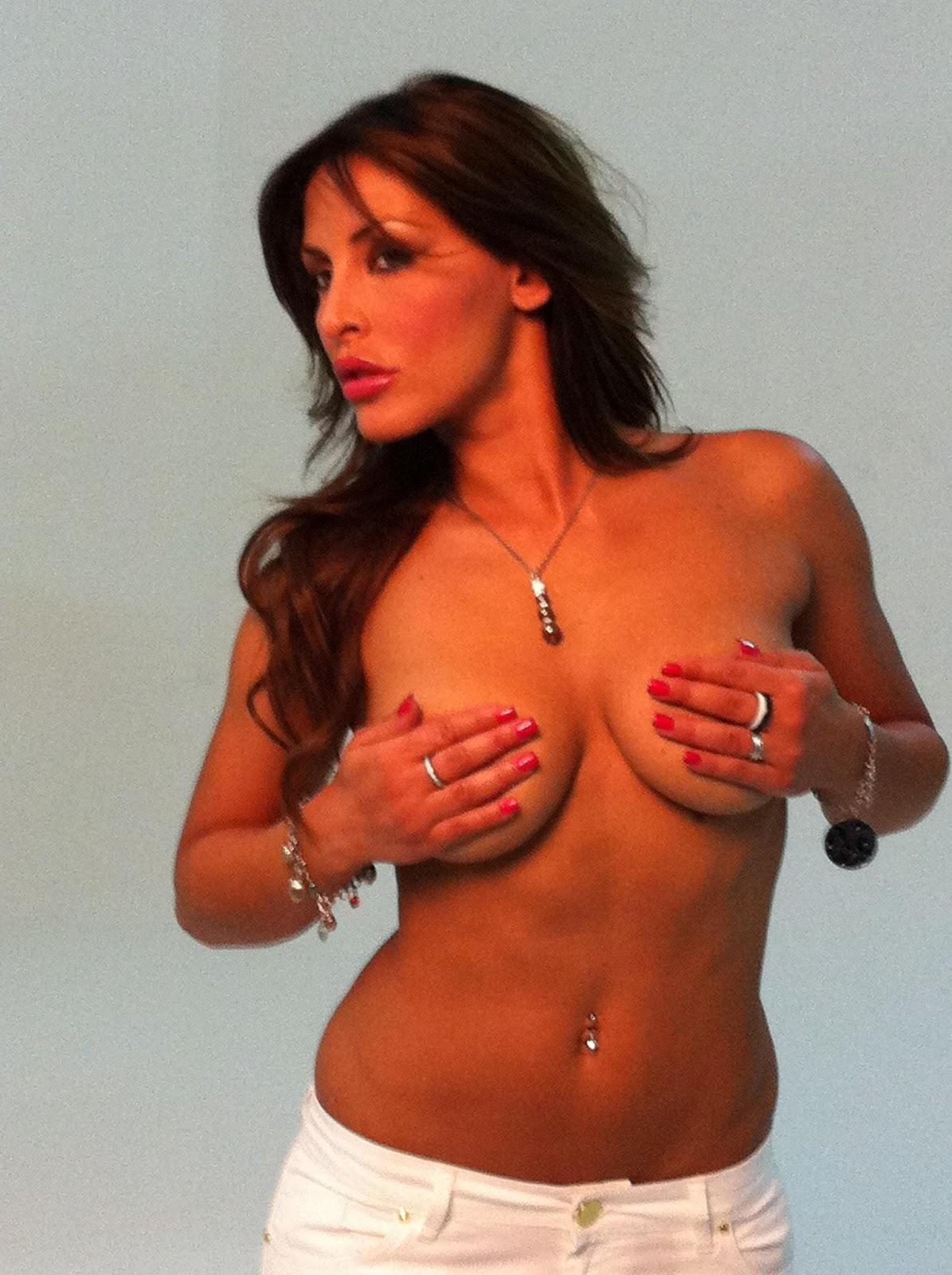 http://2.bp.blogspot.com/-WeJPF_VzKhI/TlV9rWFvlOI/AAAAAAAAC5w/hrzqAYZXous/s1600/Ferdinando-Giordano-e-Guendalina-Tavassi-13.jpg