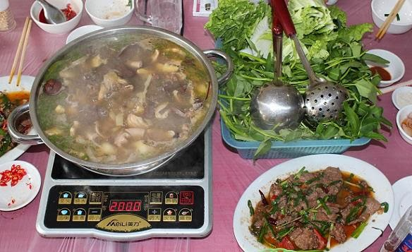 thang-co-bac-ha-dac-san-lao-cai