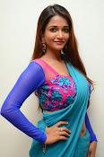 Anaika soti sizzling in saree-thumbnail-20