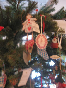 We stock the prettiest tree decorations...