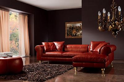 sofá de cuero rojo